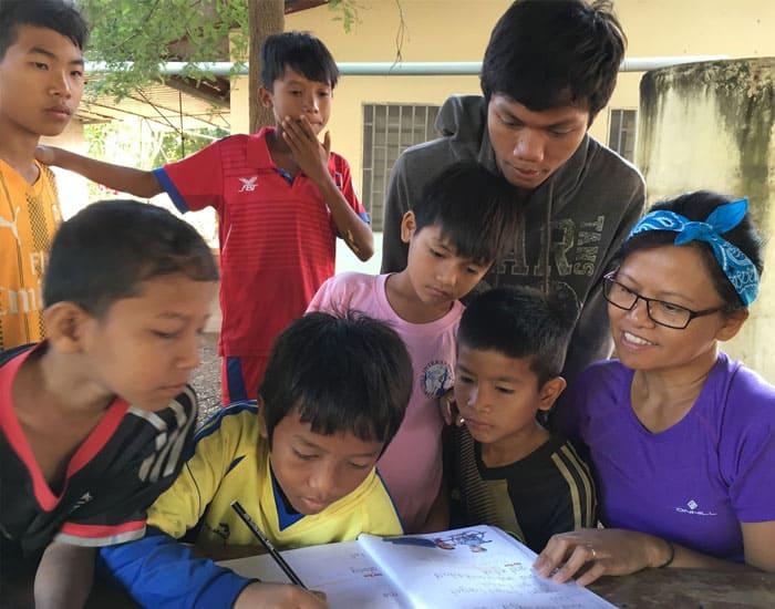 Bildung im Kinderdorf Shining Jewels auf den Philippinen