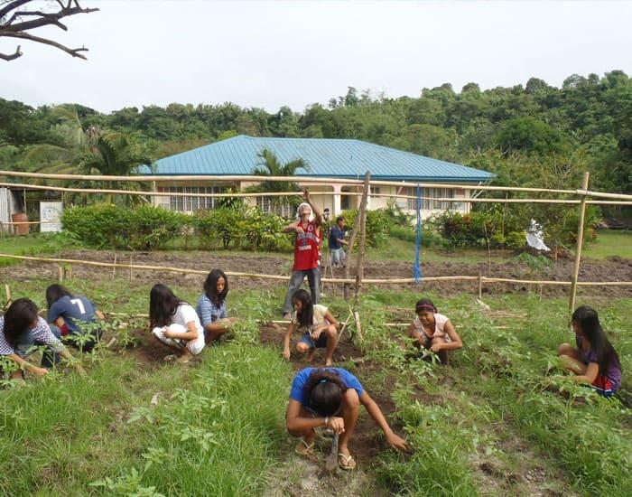 Hilfe zu Selbsthilfe, Grundnahrungsmittel selbst anbauen
