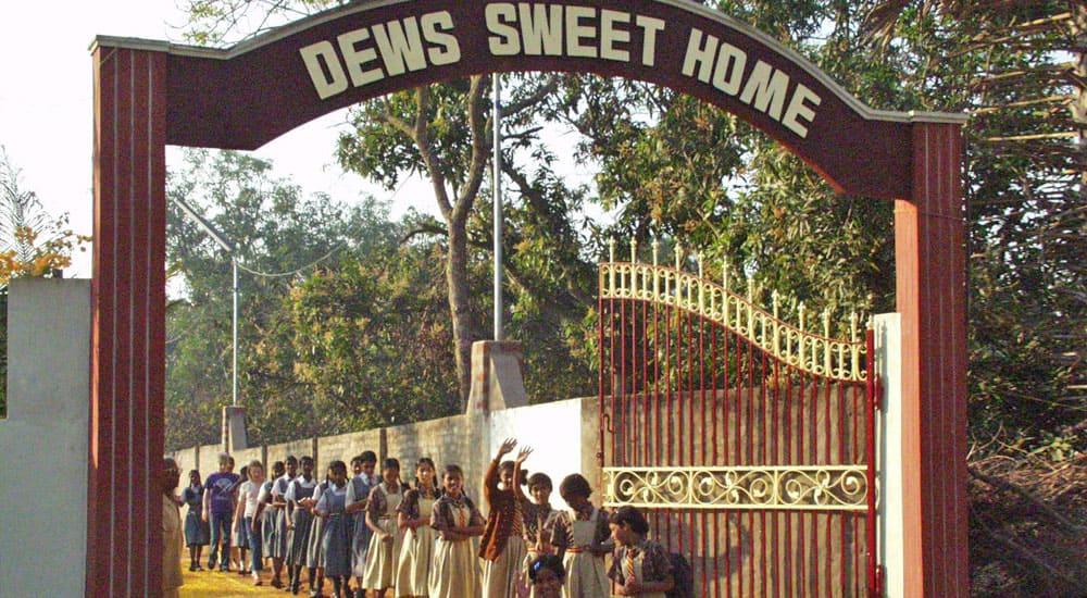 Kinderdorf_SweetHome_Indien_Eingang