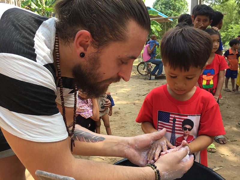 Corona-Krise im CFI-Kinderdorf Kambodscha, Hände waschen, Nothilfefonds, jetzt spenden