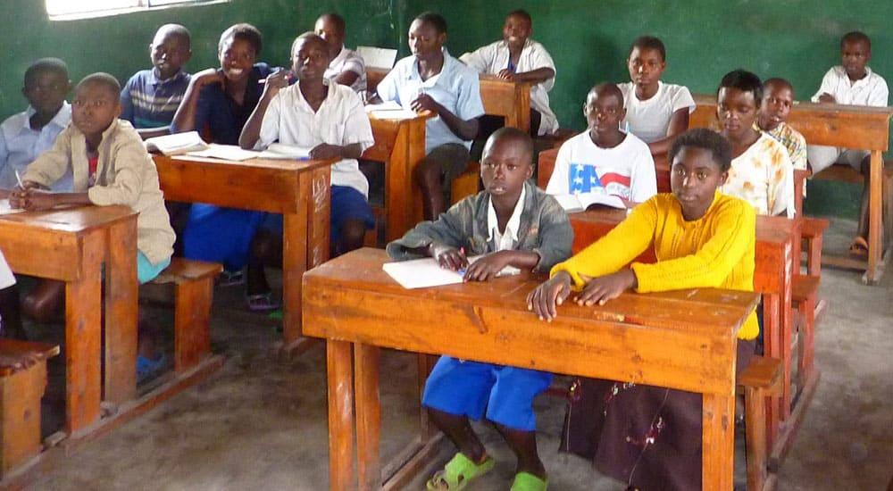 Schule im Kinderdorf Patmos in Kongo, Ohne Bildung kein Zukunft