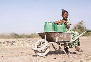 Kein Zugang zu Trinkwasser in Kongo, CFI-Kinderhilfe
